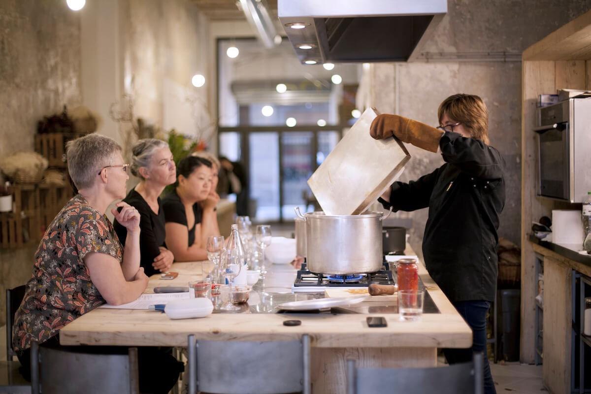 Curso intensivo de cocina para el equipo de chefs de for Equipo para chef