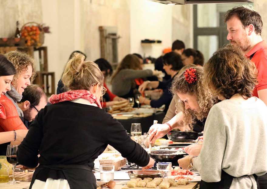 Ventajas del team building en barcelona | cuinacanelafina.com